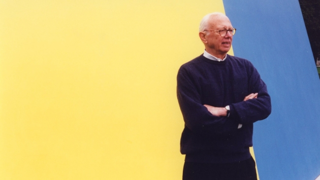 Ellsworth Kelly with Yellow Blue sculpture
