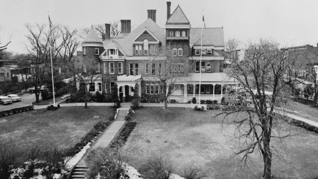 Exterior of the mansion grounds, 1960.